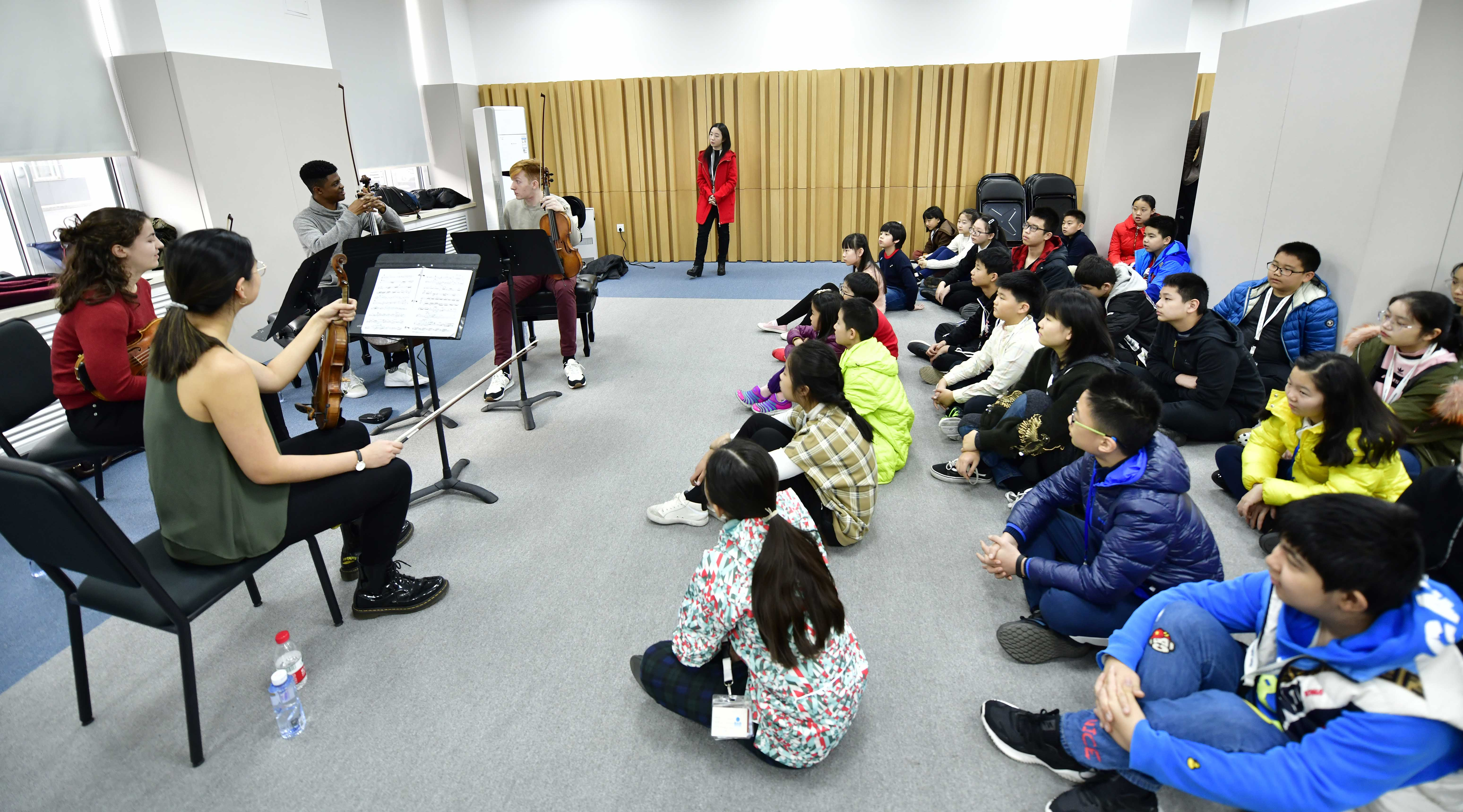 Meeting the Tianjin Juilliard Pre-College students! Photo credit: Duan Chao